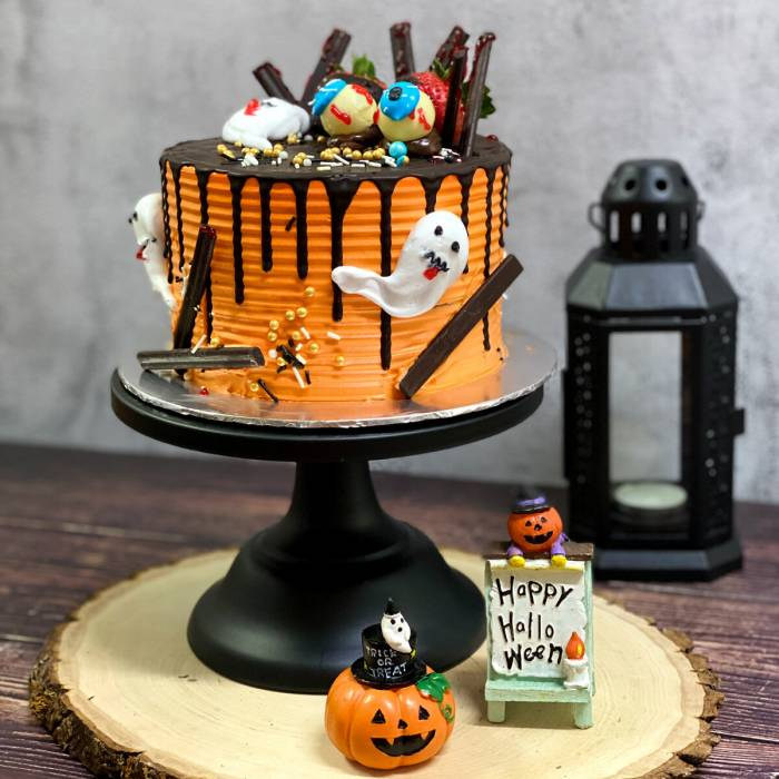 Halloween Special: SPOOK-tacular Cake
