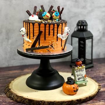 SPOOK-tacular Halloween Cake