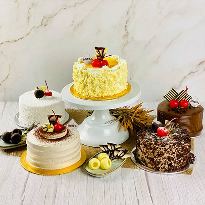 Assorted Mini 5-Inch Cakes